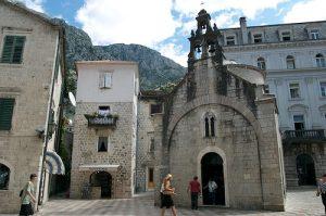 kotor-viajo-hoy Iglesia Sveti Luka en Kotor