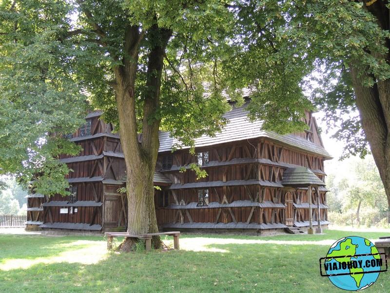 Iglesia de madera de Hronsek