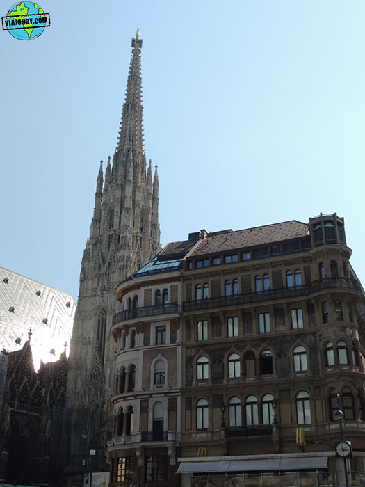 catedral-viena-vista-desde-lateral-viajohoy Visitar la Catedral de Viena