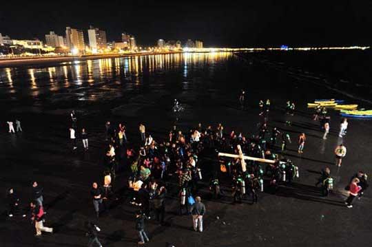 via-crucis-submarino-madryn4 Semana Santa submarina, sí existe!!