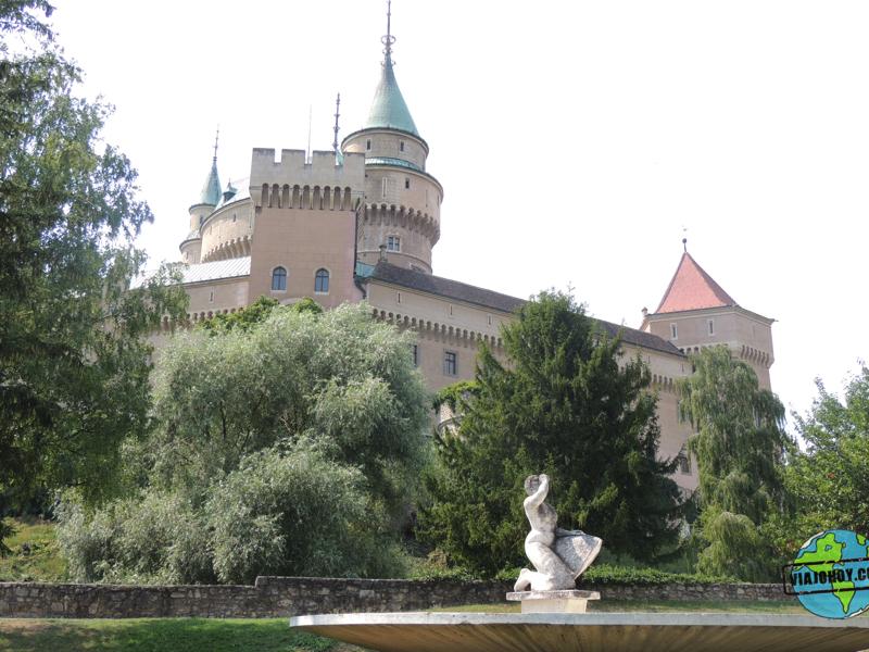 Castllo-Bjonice-eslovaquia- Castillo de Bojnice – Que ver en Eslovaquia