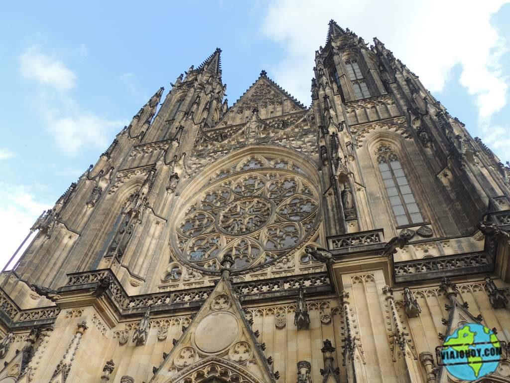 Fachada-oeste-catedral-san-vito-praga Catedral de San Vito – Visita a Praga