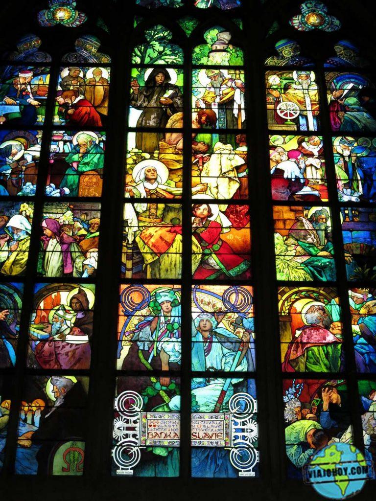 Ventana-de-St-Cyril-y-Methodius-San-Vito-Praga Catedral de San Vito – Visita a Praga