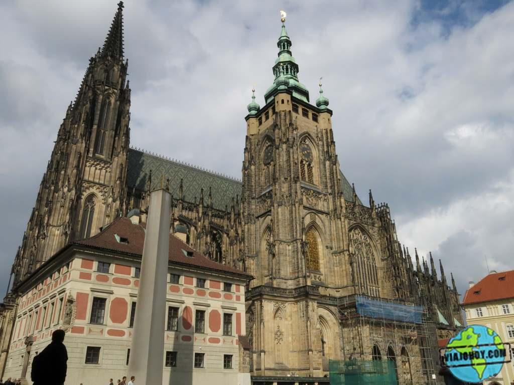 Torre del reloj de la Catedral de San Vito en Praga Catedral de San Vito – Visita a Praga