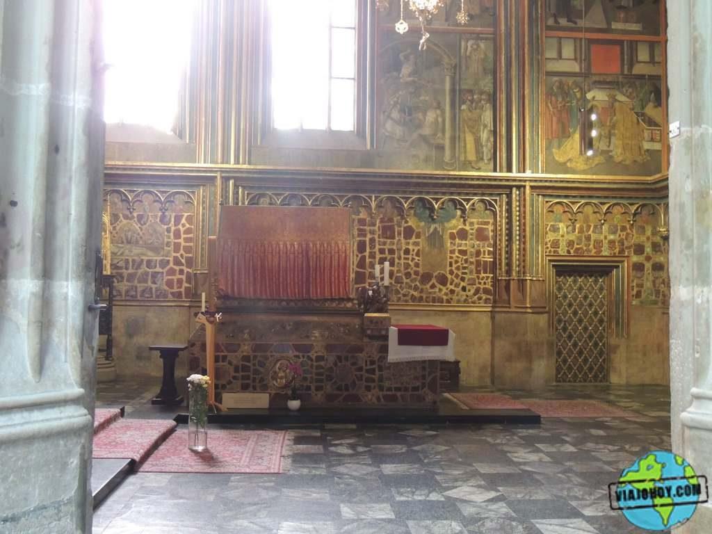 tumba-st-wenceslao-sn-vito-praga Catedral de San Vito – Visita a Praga