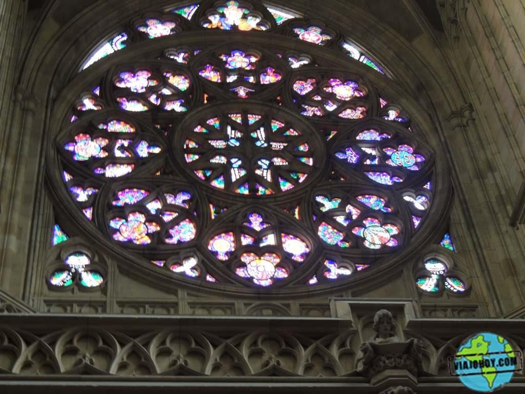 ventana-roseton-rose-catedral-san-vito-praga Catedral de San Vito – Visita a Praga