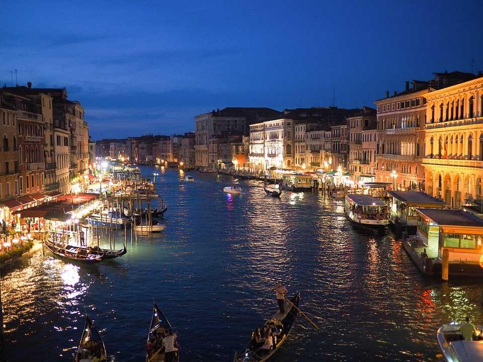 visita-venecia Los destinos más románticos de Europa