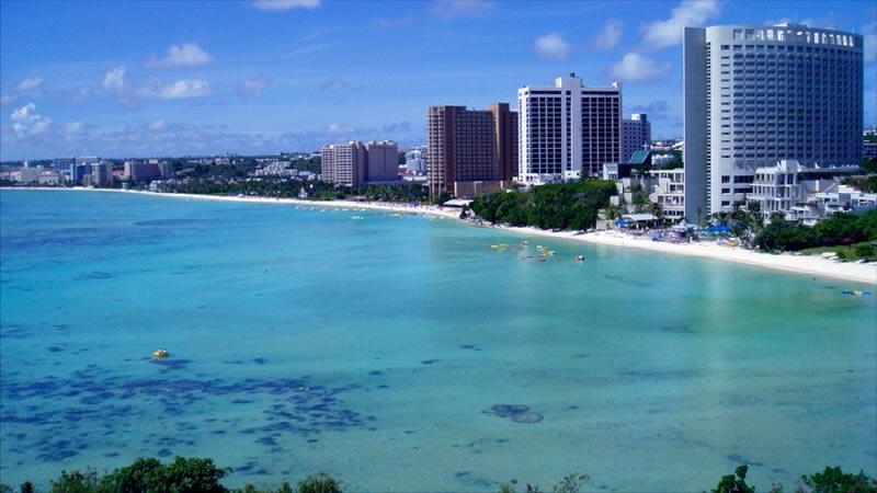 isla-guam-playa Bahía Tumón en Isla Guam – Paraíso Tropical