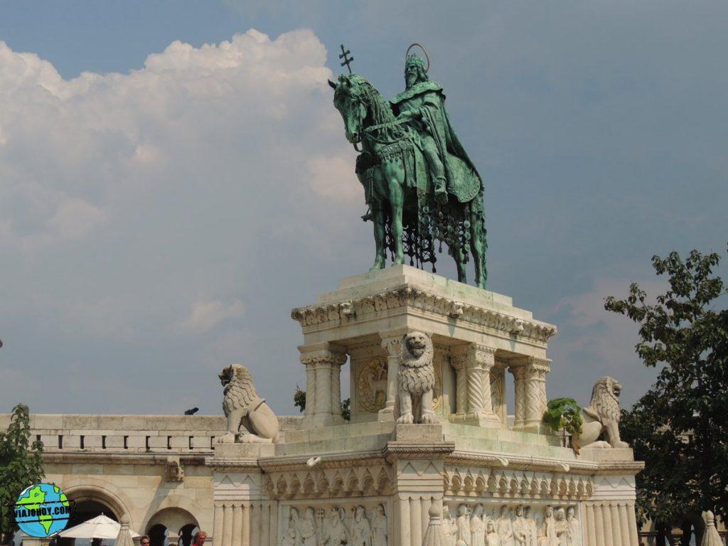 bastion-pescadores-budapest-viajohoy-7 La belleza del Bastión de los pescadores – Visita Budapest