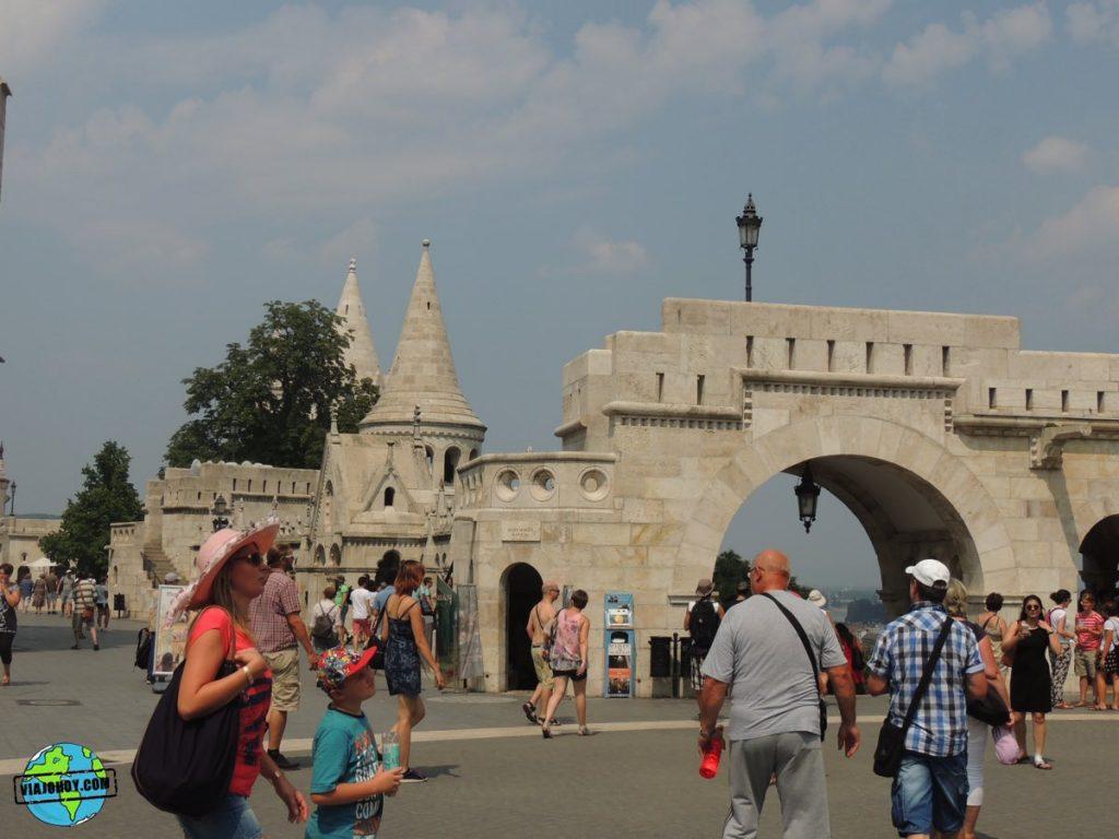 bastion-pescadores-budapest-viajohoy-9 La belleza del Bastión de los pescadores – Visita Budapest
