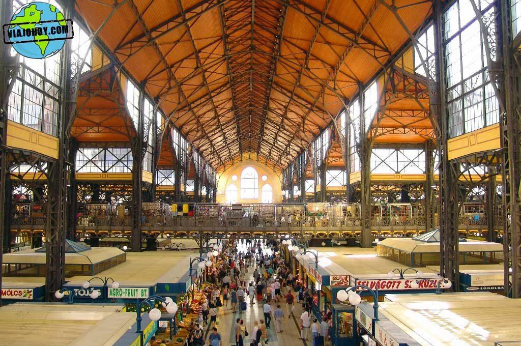 gran-mercado-central-budapest-viajohoy De compras en el Mercado central de Budapest
