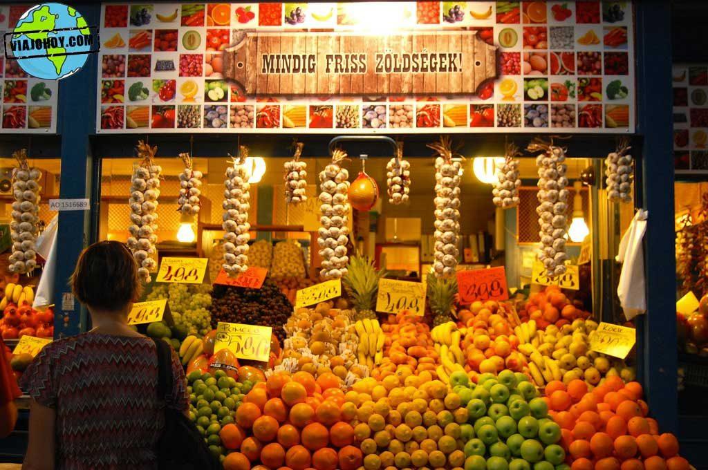gran-mercado-central-budapest-viajohoy3 De compras en el Mercado central de Budapest
