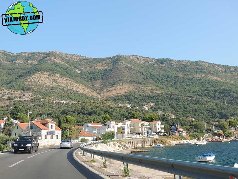 tramo-de-camino-montenegro Aventura de camino a Bosnia
