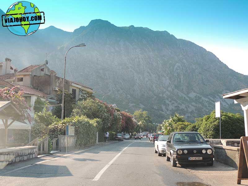 tramo-de-camino-montenegro2 Aventura de camino a Bosnia