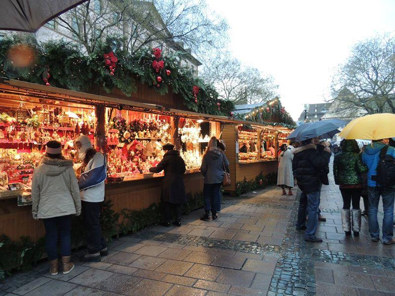 estrasburgo-mercado-en-navidad-viajohoy-com Estrasburgo es la Capital de la Navidad